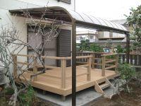 ウッドデッキとテラス屋根の組み合わせ