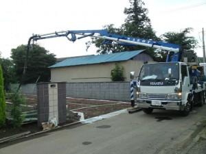 スタンプコンクリート(デザインコンクリート)ポンプ車、コンクリート打設
