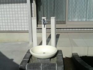 陶器の立水栓